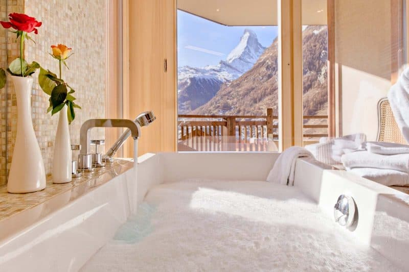 Chalet_Grace_matterhorn_view_from_bath19